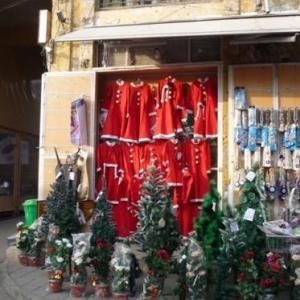 Des effets de Pere Noel a vendre ( cote turc )