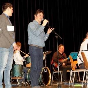 Presentation du groupe musical par le Directeur de l'Academie ( Photo Denis DOSQUET )