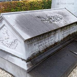 Le mausolée du soldat A. Fonck au cimetière de Thimister