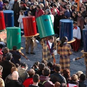 """Costume traditionnel """" Lu Sote """" )"""