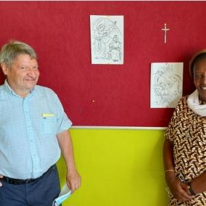 Le Directeur accueillant Soeur Marie-Dominique