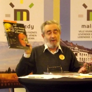 Charles HENNEGHIEN presente son livre et son exposition