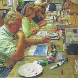 Des artistes en pleine concentration