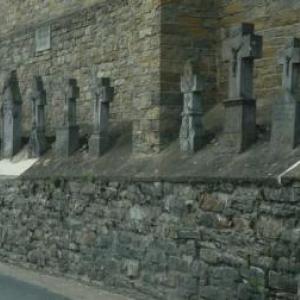Des croix en pierre de Recht ( eglise de Recht )