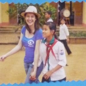 77. Marie et sa filleule vietnamienne