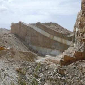 AW 020014 Albox : carriere de marbre blanc considere comme le plus beau du monde par les professionnels. De nouveaux gisements sont mis a jour tous les 5 ans et des extractions sont envisageables pour 200 ans.