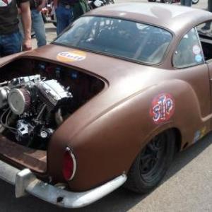 Une voiture equipee d un moteur Harley - Davidson !