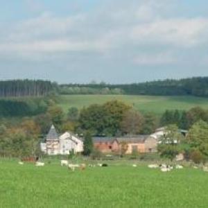 Chateau medieval ou sejournaient les responsables de la construction du canal de Bernistap