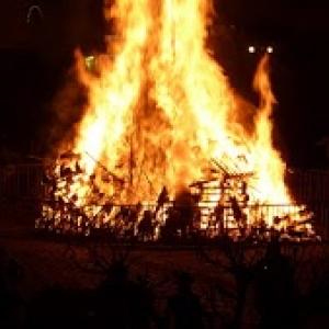 Mardi soir : le brulage de la Haguete
