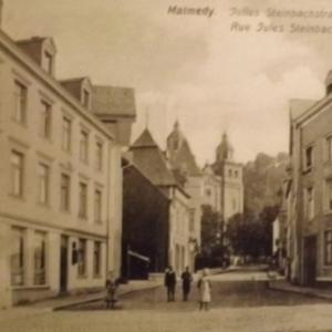 La rue Steinbach ( Hotel de Ville )