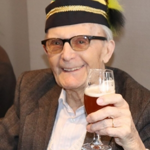 Le centenaire, fiere de SON choeur ( photo de Philippe Lemaire