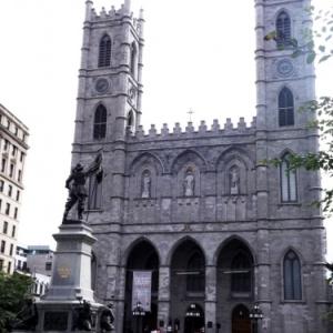 La basilique Notre - Dame dans le Vieux Quebec