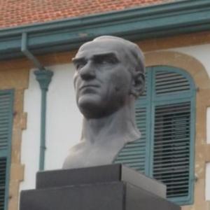 Statue de Kemal Ataturk, fondateur et premier president de la Republique turque.