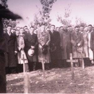 """Des """"ordensjunker"""" en civil lors d'une visite sur les champs de bataille de 14-18 en Belgique"""