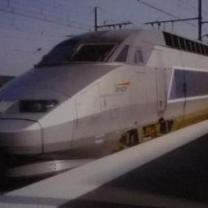Un train pendulaire