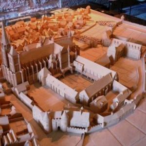 Maquette de la Basilique et de ses dependances au Moyen Age