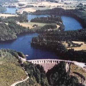 Le barrage et ses dependances ( couverture du livre de Malmedy - Folklore )