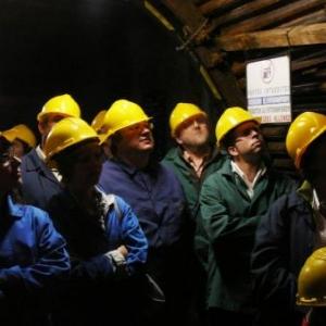 Des visiteurs malmediens tres attentifs aux explications du guide