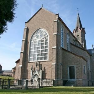 Arriere de l'eglise de Remersdael