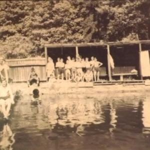 Le bassin de natation ( Moulin des huiles )