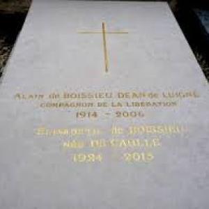 La tombe du Général avec son épouse et sa fille Anne