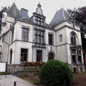 La villa Lang ( Voir 2 )
