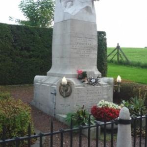 Le monument erige a l'endroit ou Fonck fut abattu