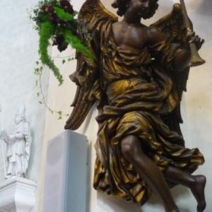 La Cathedrale embellie par la delegation de Tirlemont - Tienen