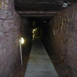La partie ( 28 m ) de la galerie effondree durant la periode de non-exploitation