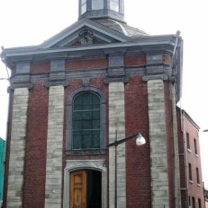 Chapelle de la résurrection : de style classique a ete construite entre 1755 et 1757. Exterieurement de plan carre et interieurement de plan octogonal. La chapelle abrite les reliques de Ste Emerentienne, Ste Albine et Ste Juste.