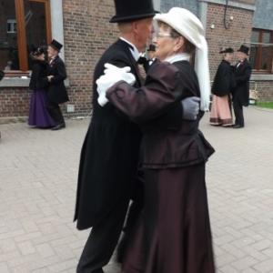 La danse, un delassement de l'epoque ( Aubel 1900 )