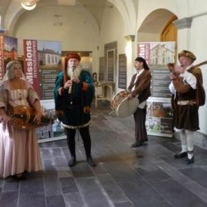 Groupe musical pour accueillir les visiteurs