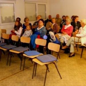 La moitie de l'effectif durant la projection du film explicatif ( photo : Ch. Crasson )