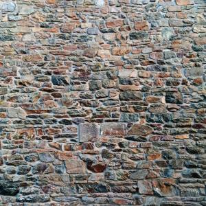 Au pays des bâtisses de pierre