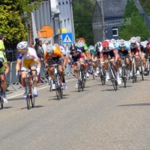 Sprint du groupe de tete.
