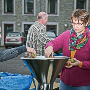 Gedinne Ecolo presse les pommes des gedinnois