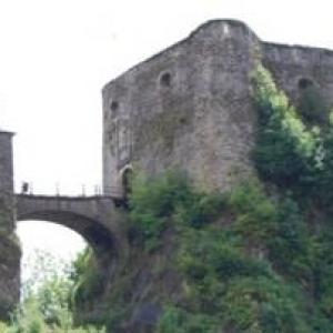 9 Vue arriere du chateau
