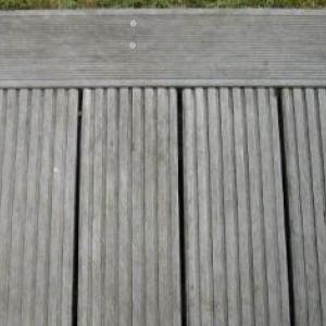 Photo 2, partie de plancher – Teinte grise