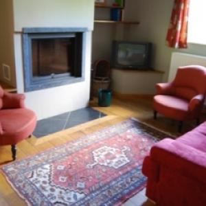 15 petit salon + feu ouvert
