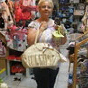 sylvana adore les sacs pour chiwa