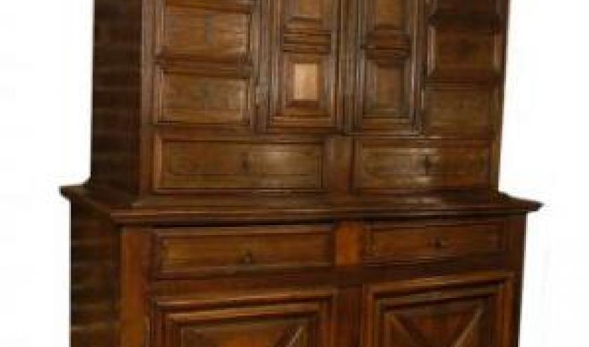 buffet double-corps en chene, 2 portes et 12 tiroirs (Normandie, fin 17eme siecle, debut 18eme siecle)