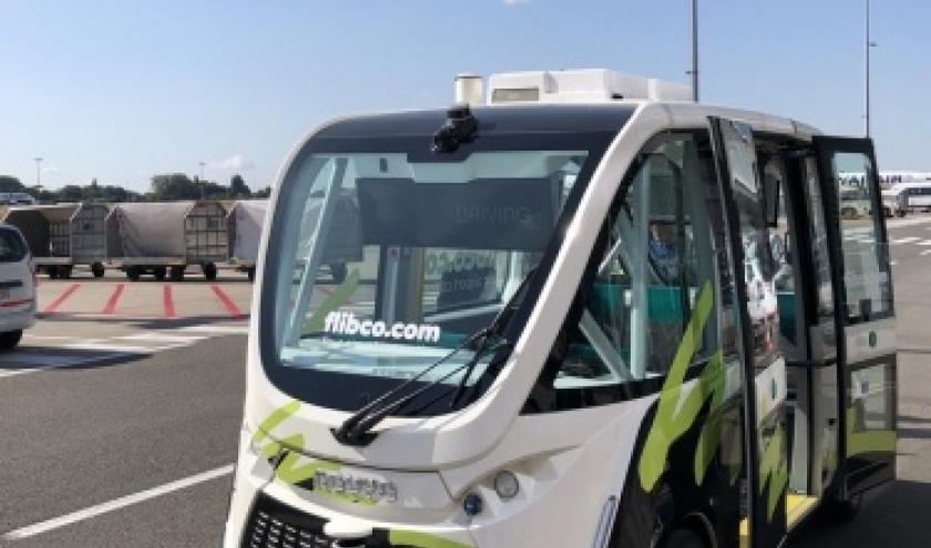 Brussels South Charleroi Airport relie ses terminaux en véhicule autonome : La société Flibco teste le NAVYA