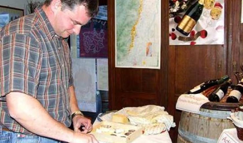 Assortir le fromage au meilleur vin avec la Cave du Roy