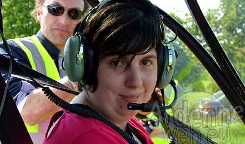 Caroline Mostade en helico avec moto Kaiser