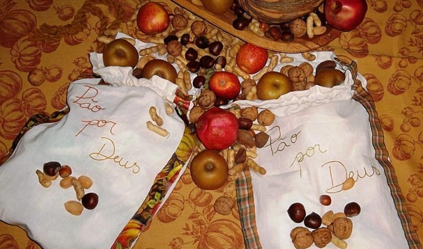 Un sac en tissu pour récolter le Pão por Deus.