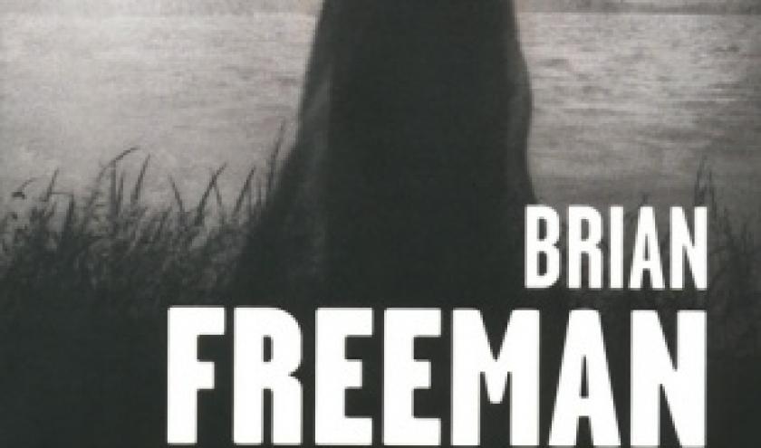 Suspecte de Brian Freeman  Presses de la Cité.