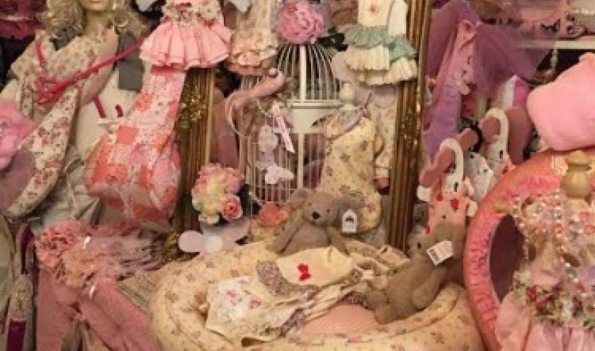""""""" L'univers animalier"""" : plus de 2000 robes - t-shirts - sweets"""