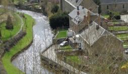 L'Ourthe entre le pont Lanham et le pont de la Promenade