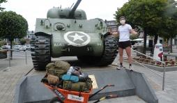 Bastogne. Célie Desmeth et son tour de Belgique avec une brouette