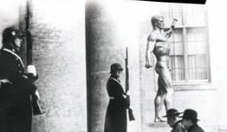 Hitler et le Vatican de P. Godman – Editions Perrin.